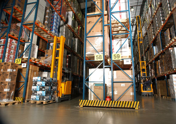 CFS Egypt. exclusive services include secured cargo warehousing. Special attention is paid to the control checks of the goods, enabling the client to have higher efficiency. We provide warehousing services in custom warehouse and terminal and in the warehouse for cleared goods